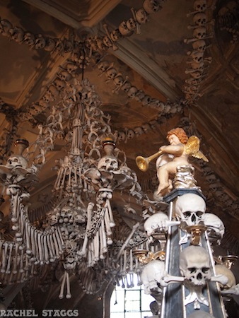 kutna hora czech republci sedlec bone church chandelier