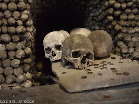 kutna hora sedlec ossuary sedlec bone church skulls coins europe czech republic