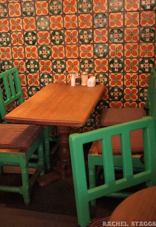 santa fe new mexico cafe pasqual's restaurant tables
